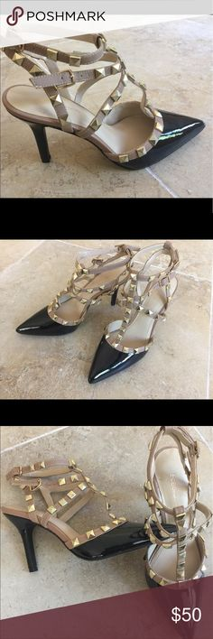 """BCBGenaration 3"""" heels Size 6M Brand New No Box👠👠👠 Gorgeous  BCBG Sandals, 2 ton color black and Light brown, and gold stone all over, very Elegant look. Leather upper and Leather sole. BCBGeneration Shoes Heels"""