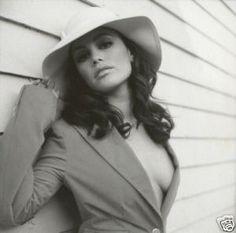 Rachel Bilson, love her style