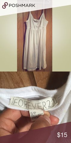 Forever 21 casual dress Never worn Forever 21 midi dress. Comfy light and great for the beach or a cover up as well! Forever 21 Dresses Midi