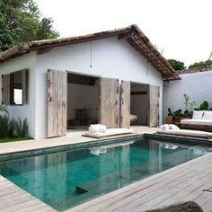 Cabane avec piscine