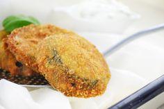 Köstliches Rezept für Urlaubsstimmung: Gebackene Auberginen der griechischen Art mit Tsatsiki-Sauce.