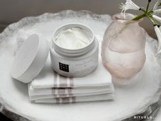 The Ritual of Sakura Body Cream is a rich, velvety, whipped body cream that deeply nourishes your skin, with its unique blend of Vitamin E and antioxidants.
