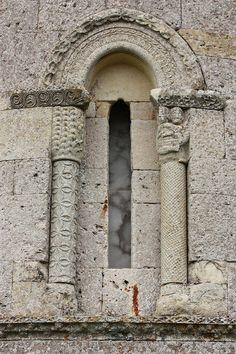 Nuestra Señora de la Asunción, Boada de Villadiego (Burgos, Spain).Detalle Románico