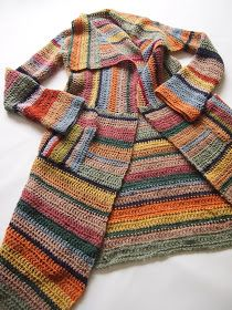 Great way to use leftover yarn stash. Great way to use leftover yarn stash. Beau Crochet, Moda Crochet, Pull Crochet, Knit Crochet, Crochet Dolls, Cardigan Au Crochet, Crochet Jacket, Crochet Cardigan, Striped Cardigan