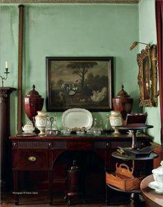 La casa del arquitecto inglés Sir Albert Richardson ( 1880-1964) es sin duda una pequeña ventana al pasado. Se sitúa en Ampthill (Bedfordshire, Inglaterra) y lleva por nombre Avenue House. Aquí viv…