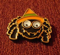GOOGLY EYES HALLOWEEN SPIDER PIN - VINTAGE HALLMARK