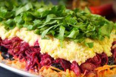 Слоеный салат «Дюймовочка». Сметается со стола первым
