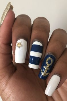 A tutorial for blue and white nautical inspired nails