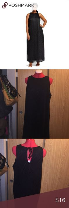 Ava & Viv Women's Plus Sz Black Burnout Maxi Dress In good used condition.  Dress Brand:	Ava & Viv Size Type:	Plus Women's Size:	1X Material:	Polyester, Rayon, Spandex Season:	Spring - Summer, Fall - Winter Colors:	Black Ava&viv Dresses Maxi