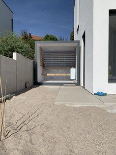 Combi sauna met ral kleur aluminium buiten afwerking Outdoor Sauna, Jacuzzi Outdoor, Outdoor Decor, Modern Saunas, Sauna Ideas, Sauna Design, Pool Houses, Garage Doors, Spa