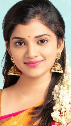 Beautiful Girl Body, Beautiful Girl Image, Beautiful Asian Girls, Cute Beauty, Beauty Full Girl, Beauty Women, Beautiful Indian Brides, Desi Girl Image, Most Beautiful Bollywood Actress