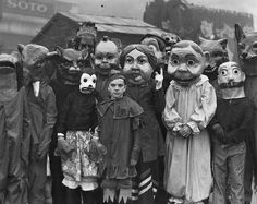 vintage halloweenphotos | funny-creepy-Halloween-costume-vintage-antique