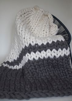 debe5e53e31 128 Best Chunky knits images