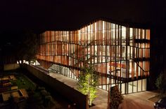 """Małopolski Ogród Sztuki, projekt Ingarden & Ewý Architekci - nagroda """"Building of the year 2012"""" w kategorii Kultura, fot. © Krzysztof Ingarden / ArchDaily"""