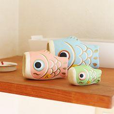 人気のはりこーシカの一回り小さい3匹セットのマトリョーシカタイプの張り子人形です。レイアウトも自由に楽しめます。  はりこーシカ ベビー・カラー http://shop.acty-daimonya.com/products/detail.php?product_id=116 #五月人形 #はりこーシカ #張り子 #五月飾り