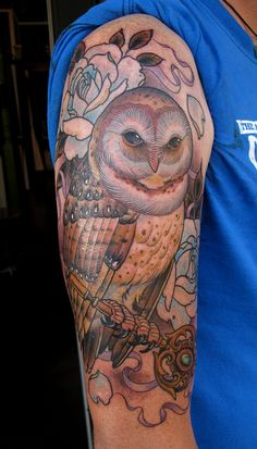 I absolutely <3 Owls... Thou I'm most definitely NOT a fan of tattoo's, I will honestly say, this is beautiful!