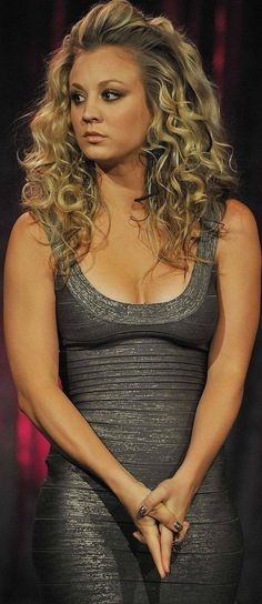 69 Best Kaley Cuoco Images