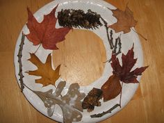 12 Nature Walk Crafts for Kids! - Things to Make and Do, Crafts and Activities for Kids - The Crafty Crow Forest School Activities, Autumn Activities, Preschool Activities, Autumn Nature, Autumn Leaves, Autumn Art, Fall Preschool, Autumn Wreaths, Frame Crafts