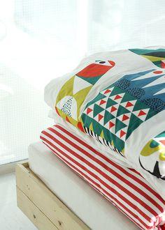 Pinjacolada: Sanna Annukka + Marimekko A/W 2014 Tile Wallpaper, Marimekko, William Morris, Tile Patterns, Flower Prints, Simple Style, Comforters, New Homes, Blanket