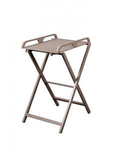 Table à langer pliante Jade laqué tapue Combelle, est facile d'utilisation comme de rangement, avec sa structure en hêtre massif, votre enfant sera confortablement installé... #