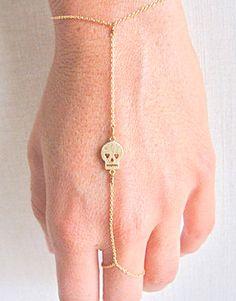 Skull hand chain