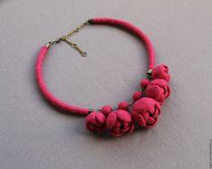 """Купить Колье """"Viva"""" (2) - розовый, колье, войлочное колье, войлочное украшение, валяное украшение"""