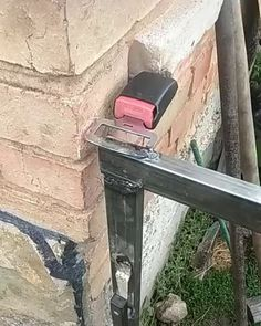 Perfect Idea... Diy Crafts Hacks, Diy Home Crafts, Diy Home Decor, Welding Projects, Garden Projects, Wood Projects, Diy Home Repair, Homemade Tools, Cool Inventions
