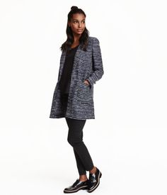 Dark blue/striped. Long jacket in cotton-blend bouclé with notched lapels and front pockets. Unlined.