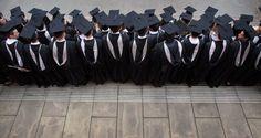 Novità in vista per molti allievi delle università italiane. Si parla di esonero dei contributi univ...