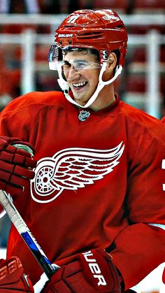 Captain Foligno — IPhone 6 Backgrounds — Detroit Red Wings: Dylan...