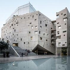 New USJ Campus by Y.TOHME and 109Architectes.Photos by Ieva Saudargaite.