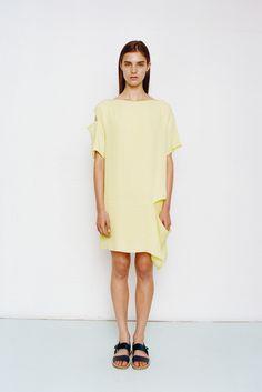 Richard Nicoll   Resort 2015   27 Yellow short sleeve mini dress