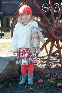 Yates Cider Mill Cutie. #candibphotography #cidermill #michiganphotographer #toddlerfashion