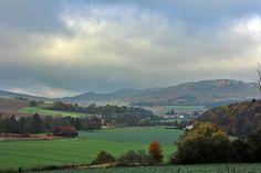 07.11.2012 Die Herbst-Landschaft am Welseder Berg hat Rolf Sander aus Grohnde fotografiert.