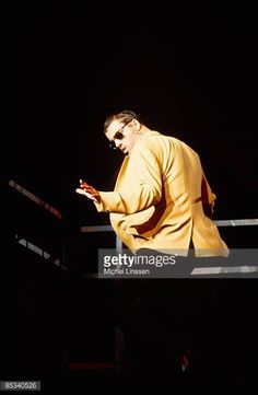 Photo of George MICHAEL George Michael performing on stage