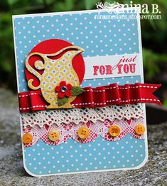 love the scrunchy ribbon and patterned paper