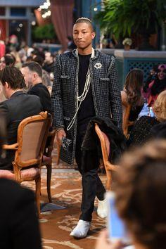 110511377 Pharrell Williams Photos - Pharell Williams walks the runway during