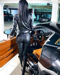 Lederhosen Outfit, Leather Boots, Black Leather, Leder Outfits, Biker Chic, Sexy Latex, Confident Woman, Sexy Cars, Thigh High Boots