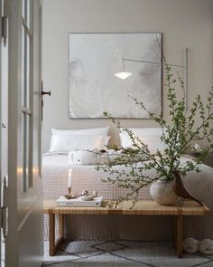 URBANARA - Hochwertige Heimtextilien & Wohnaccessoires Modern Minimalist Bedroom, Minimal Bedroom, Nordic Bedroom, Natural Bedroom, Soft Blankets, Bedroom Styles, Linen Bedding, Color Trends, Exterior Design