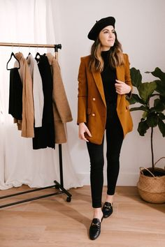 Looks Estilosos Com Sobretudo #looks#sobretudo#foryou Blazer Outfits, Casual Work Outfits, Office Outfits, Work Attire, Work Casual, Classy Outfits, Chic Outfits, Trendy Outfits, Fall Outfits