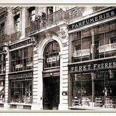 百年法國品牌費雷夫人起源於美好年代(Belle Époque)初期,成立於1878年,因應中產階級所需相關時尚設計、美容美膚商品蘊孕而生。  Féret Parfumeur費雷夫人於一百多年前以最有效的配方,使用大自然提供的最佳天然成份製作而成。這些天然成份經過長時間考驗後,證明其有效性,在當時上流社會及貴族女士們蔚為美膚風潮。    此後,品牌在全世界各地享有聲譽,家族傳人並秉持著代代相傳的精神,至今品牌的第四代傳人Alexis Cabanne ,再次將Féret Parfumeur推上世界著名的化妝品舞台,並首次來台隆重上市,為台灣的消費者帶來法國百年經典傳奇的美好年代護膚聖品。
