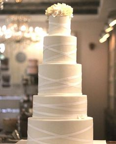 #weddingcake #eskuvoitorta #floweronthecake #icake #marangona #marangonatorta #sugarflower