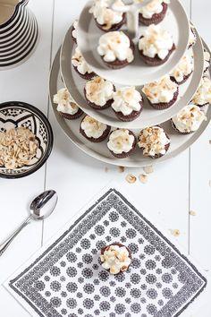mini chocOlate cupcakes with hazelnut chips