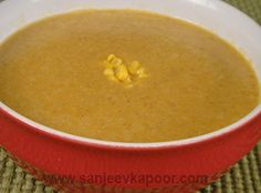 Curried Spiced Sweetcorn Soup Recipe - Sweetcorn soup made with Indian spices. Sweetcorn Soup Recipes, How To Make Curry, Winter Soups, Cheeseburger Chowder, Stew, Vegetarian Recipes, Sweet Tooth, Spices, Sanjeev Kapoor
