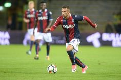 Federico Di Francesco of Bologna FC in action during the Serie A match between Bologna FC and FC Internazionale at Stadio Renato Dall'Ara on September 19, 2017 in Bologna, Italy.