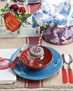 Southern Ladies, Memorial Day Celebrations, Fourth Of July, Happy Memorial Day, Seasonal Flowers, Outdoor Parties, Tablescapes, Dinner Sets, Red White Blue