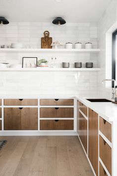 Modern Kitchen Design – Want to refurbish or redo your kitchen? As part of a modern kitchen renovation or remodeling, know that there are a . Shabby Chic Kitchen, Home Decor Kitchen, Rustic Kitchen, Interior Design Kitchen, Home Kitchens, Kitchen Ideas, Kitchen Industrial, Distressed Kitchen, Decorating Kitchen