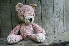 Karu by heegeldab Puppy Find, Hug Me, Handmade Toys, Textile Art, Floral Arrangements, Textiles, Puppies, Dolls, Teddy Bears