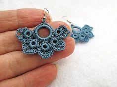 PDF Tutorial Crochet Pattern…Beautiful by accessoriesbynez … – Moda Femenina Crochet Jewelry Patterns, Crochet Earrings Pattern, Crochet Motifs, Crochet Accessories, Diy Jewelry Tutorials, Jewelry Crafts, Handmade Jewelry, Wire Tutorials, Jewelry Bracelets
