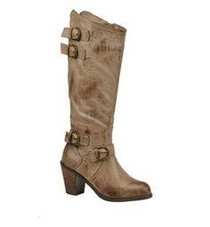 Very Volatile Women's Quincy Boot from ShoeMall.com.  Get your rebate from RebateBlast.